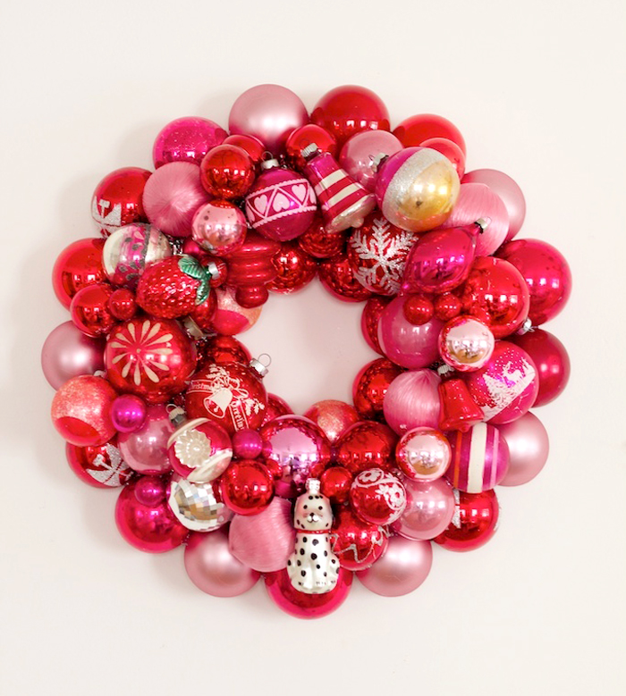 Bauble-wreath