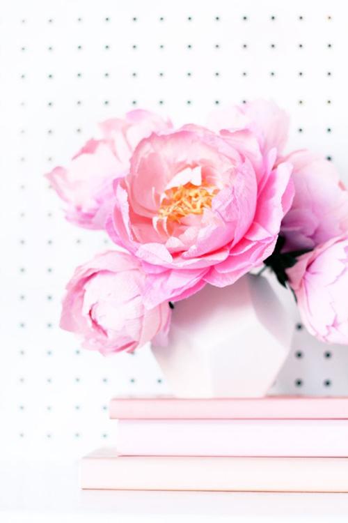 DIY-paper-flower-brooch3-emmajayne-dsigns