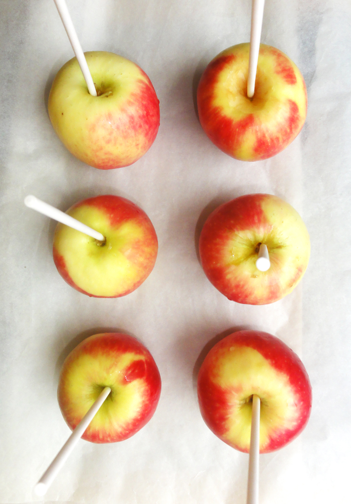 white-choc-apples-with-marsh-and-nuts-recipe-emmajayne-designs
